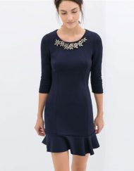 Elegant Knitted Dress with Diamonds Flower Neckline